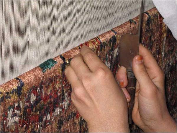 فرش-ابرشمی-دستباف-ایرانی