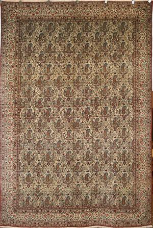 پرکاربردترین مواد در بافت فرشهای عتیقه