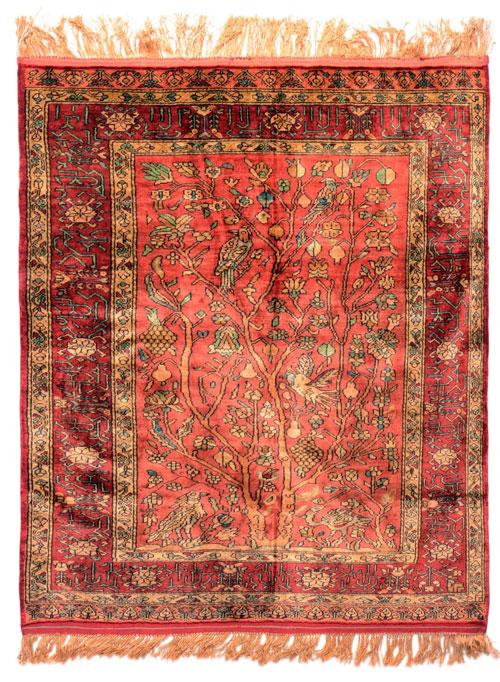نقش-درخت-در-فرش-دستباف-ایرانی
